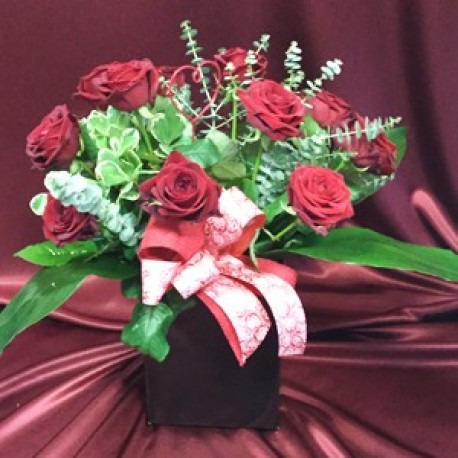 12 Red Roses Hand Tied in a Box